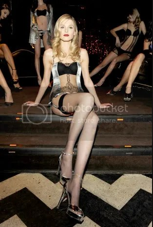 La Perla Black Label: Autumn(Fall)/Winter 2009