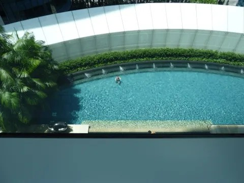 St. Regis Hotel Singapore swimming pool