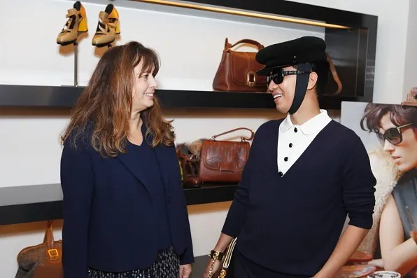 Alexandra Shulman and Bryanboy talking to each other at Fendi Tokyo