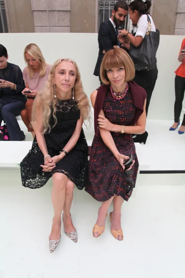 Franca Sozzani and Anna Wintour at Versace spring summer 2012