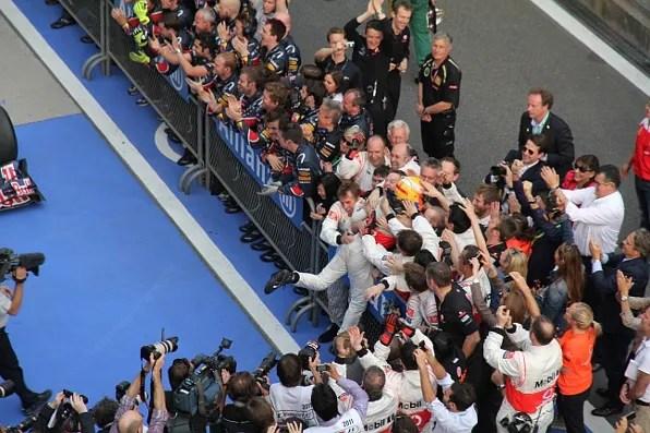 Lewis Hamilton wins Formula 1 Shanghai