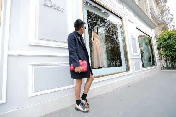 Bryanboy ouside Christian Dior, Avenue Montaigne Paris