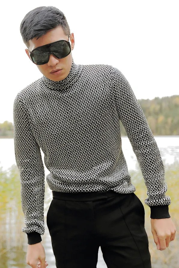 Versace chainmail sweater from fall/winter 2012 collection