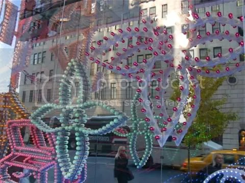 Louis Vuitton 5th Avenue New York Maison Wrapped Up