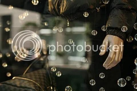 Louis Vuitton Holiday 2008 Window Display