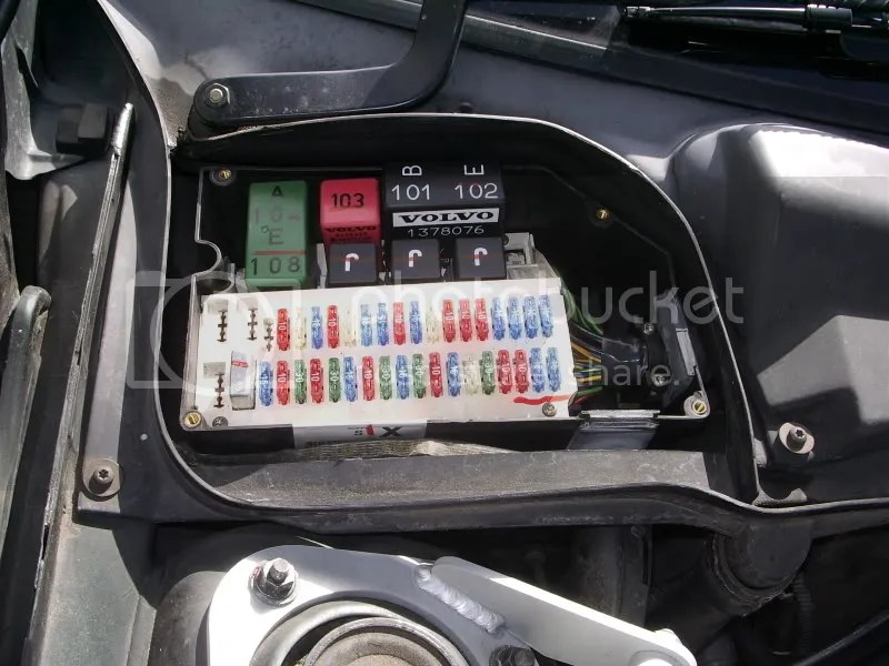 volvo v50 fuse box engine bt v t fuel pump fuse volvo owners kia rio