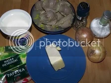 Gulasz z żołądków drobiowych w sosie śmietanowym polska obiad latwe kurczak i drob jednogarnkowe danie glowne codzienne  przepis foto