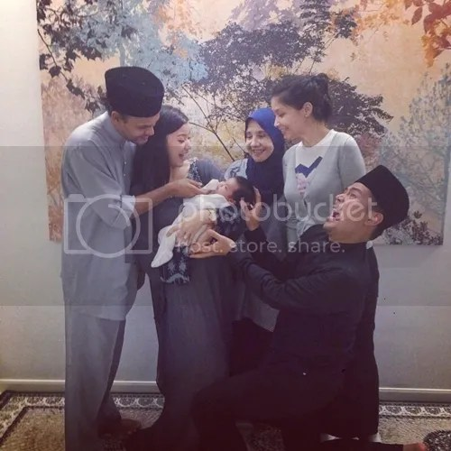 5 Gambar Wajah Anak Awal Scha Bersama Lisa Surihani Dan Yusry
