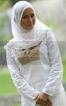 ayu raudhah bertudung