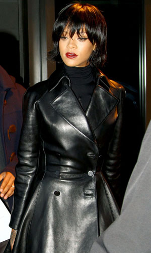 Rihanna seen leaving dinner then going to a tattoo shop in New York, 18 November 2013