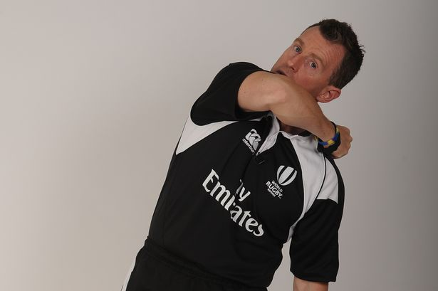 Nigel Owens referee signal