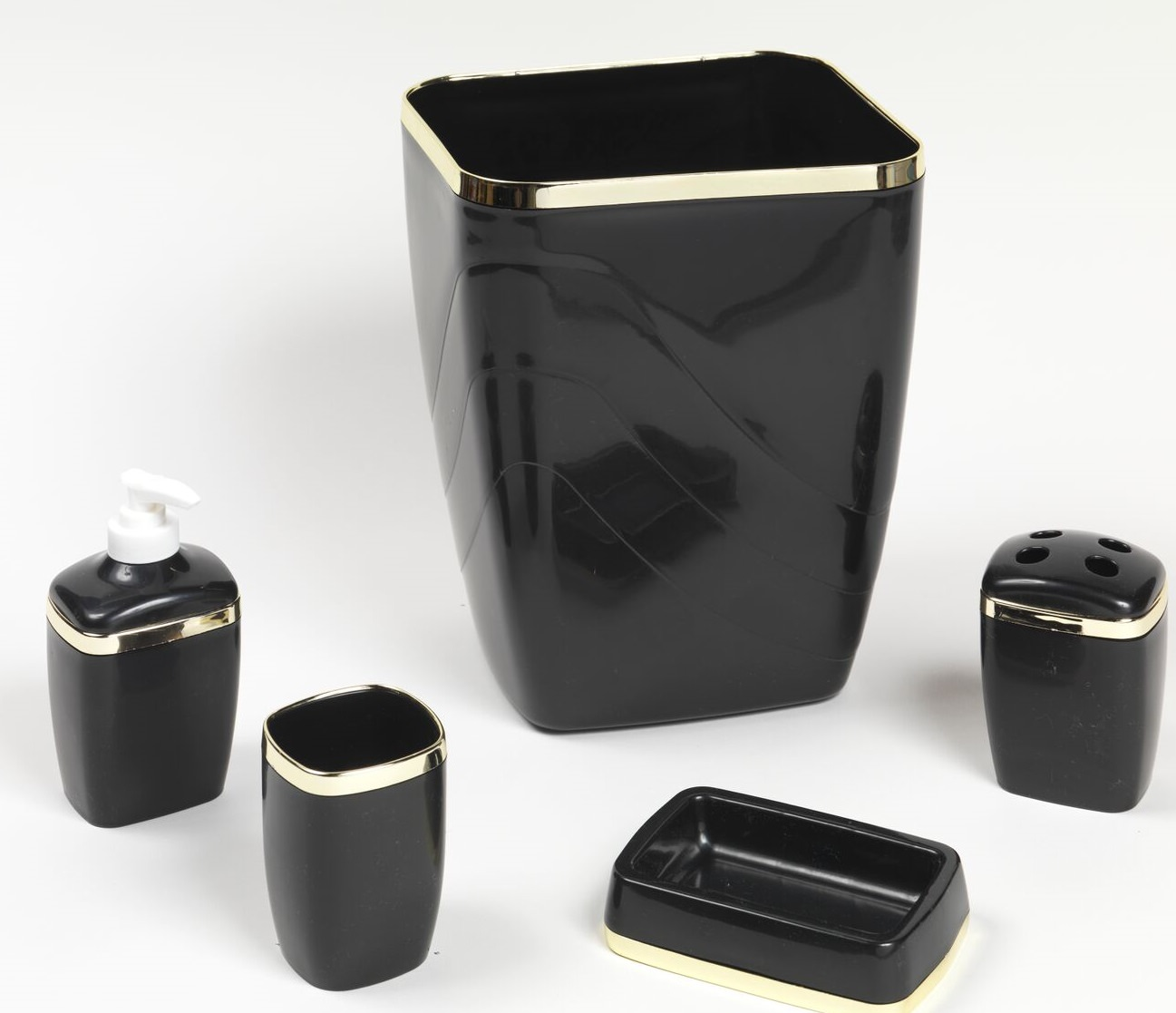Black Bathroom Wastebasket Royal Bath 5 Piece Plastic Bath Accessory Set In Black