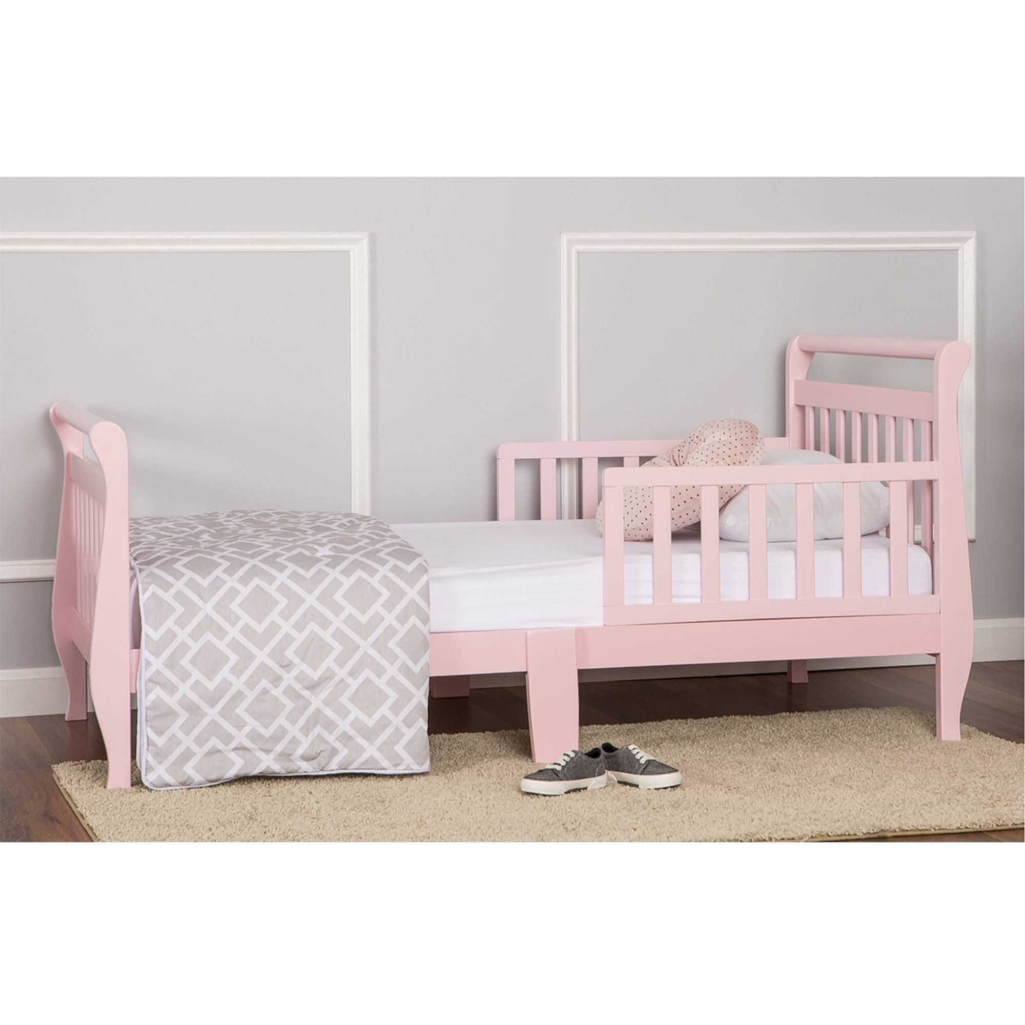 Cheap Toddler Beds Dream On Me Sleigh Toddler Bed Multiple Finishes With Bed Rails