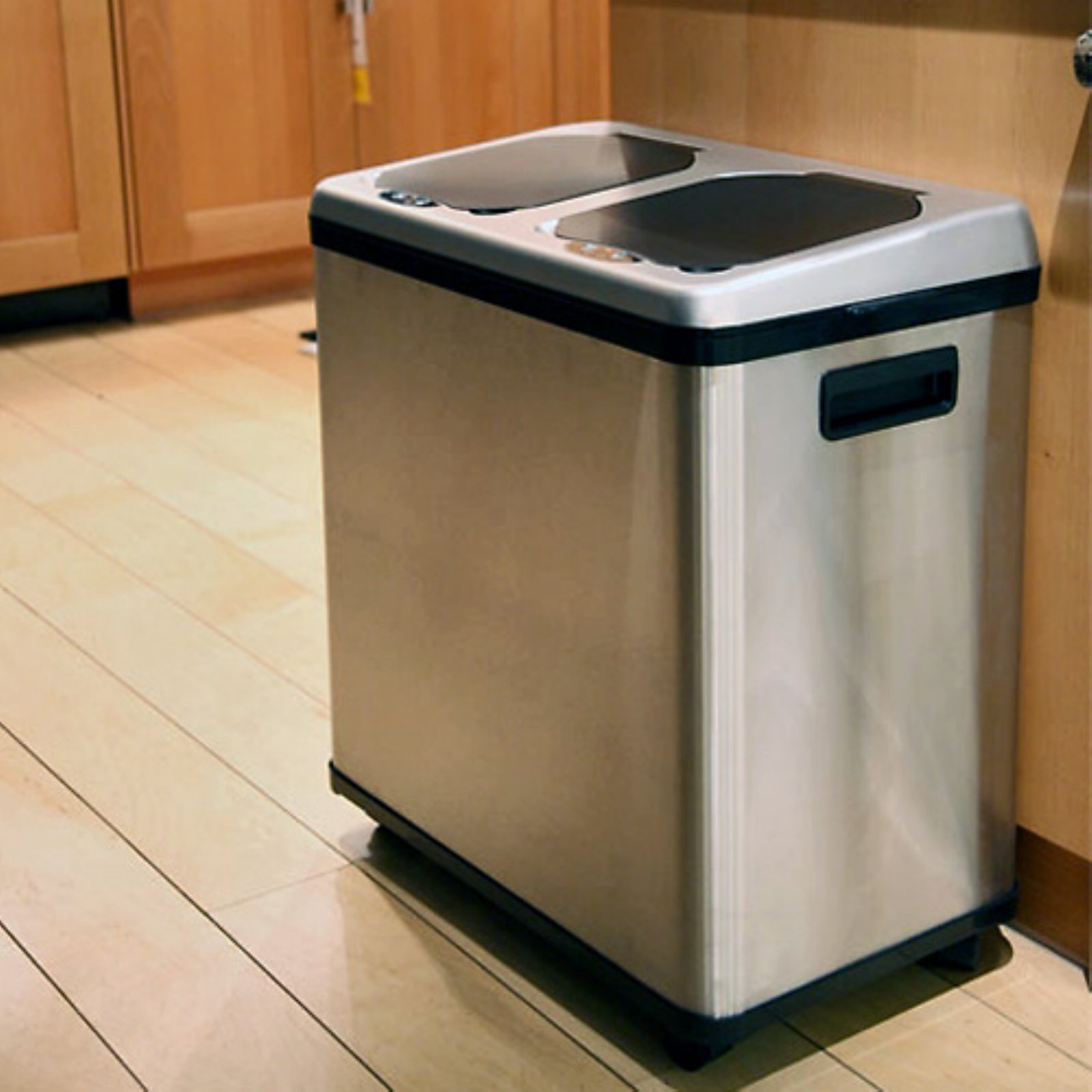 Stainless Steel Recycling Bins Itouchless 2 Compartment Recycle Touchless Trashcan 16 Gal Stainless Steel Recycling Bin