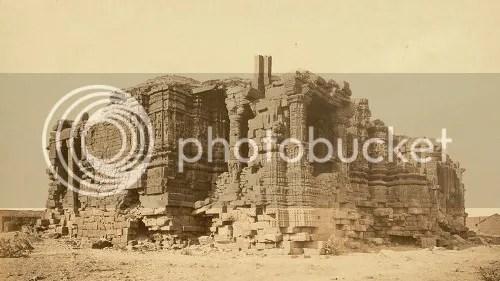 Somnath Temple (1869) (via Wikipedia)