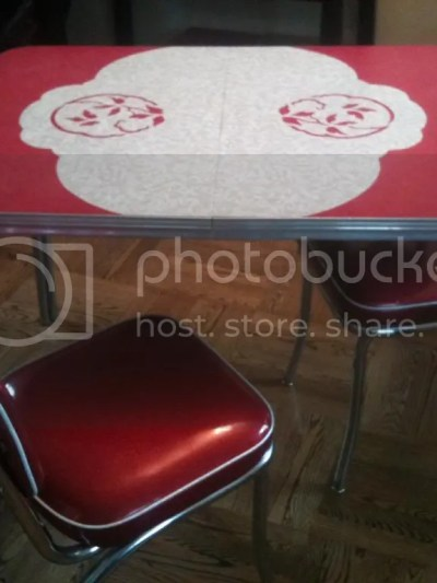 1 zps418f758b The Perfect Vintage Table
