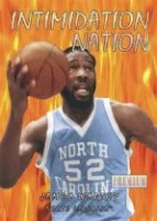 2011-12 Fleer Retro James Worthy Intimidation Nation
