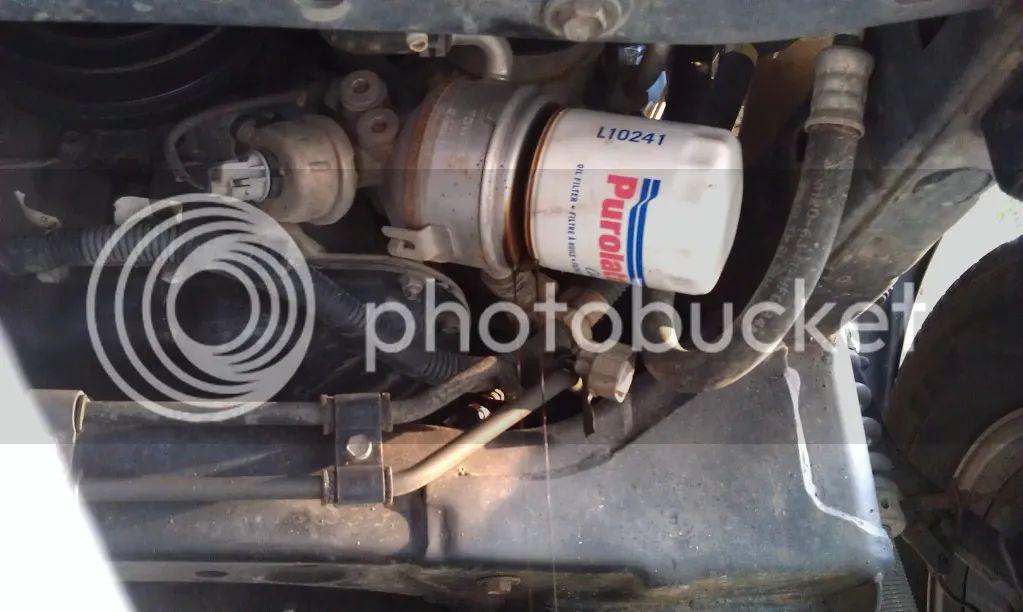 1984 mustang fuel filter location