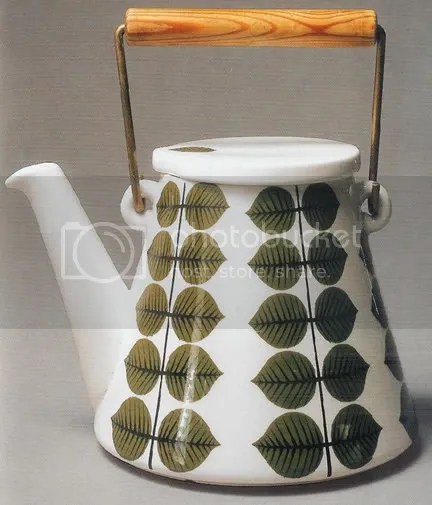 Enamelware kettle designed by Stig Lindberg