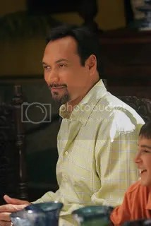 Jimmy Smits as Alex Vega in Cane.