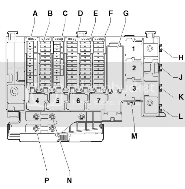 2013 audi a8 fuse box location