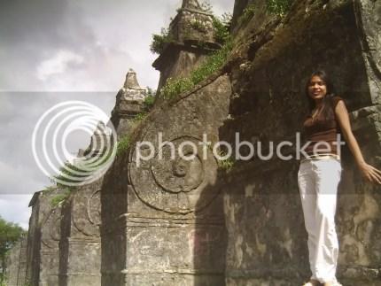 paoay church columns