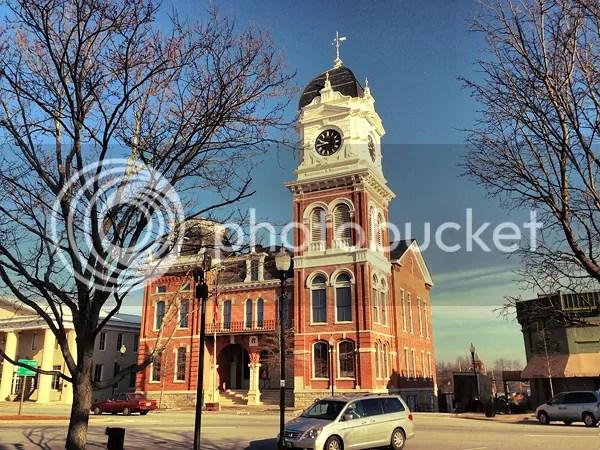 photo Courthouse1.jpg