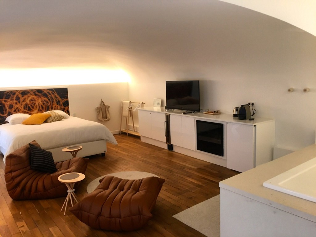 mihotel - hotel - iamnotablog