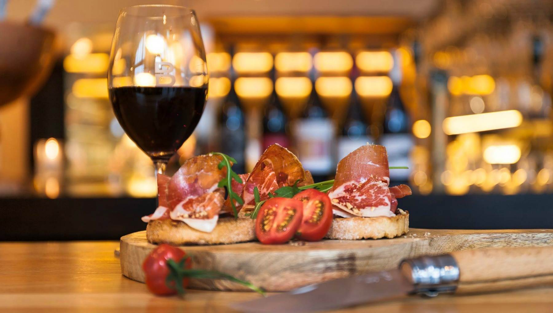 Kleine Party Snacks 10 Of The Best Wine Bars In Amsterdam I Amsterdam