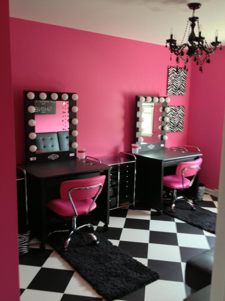 Salones Spa A Supermom Builds A Dream Vanity Room For Her Girls
