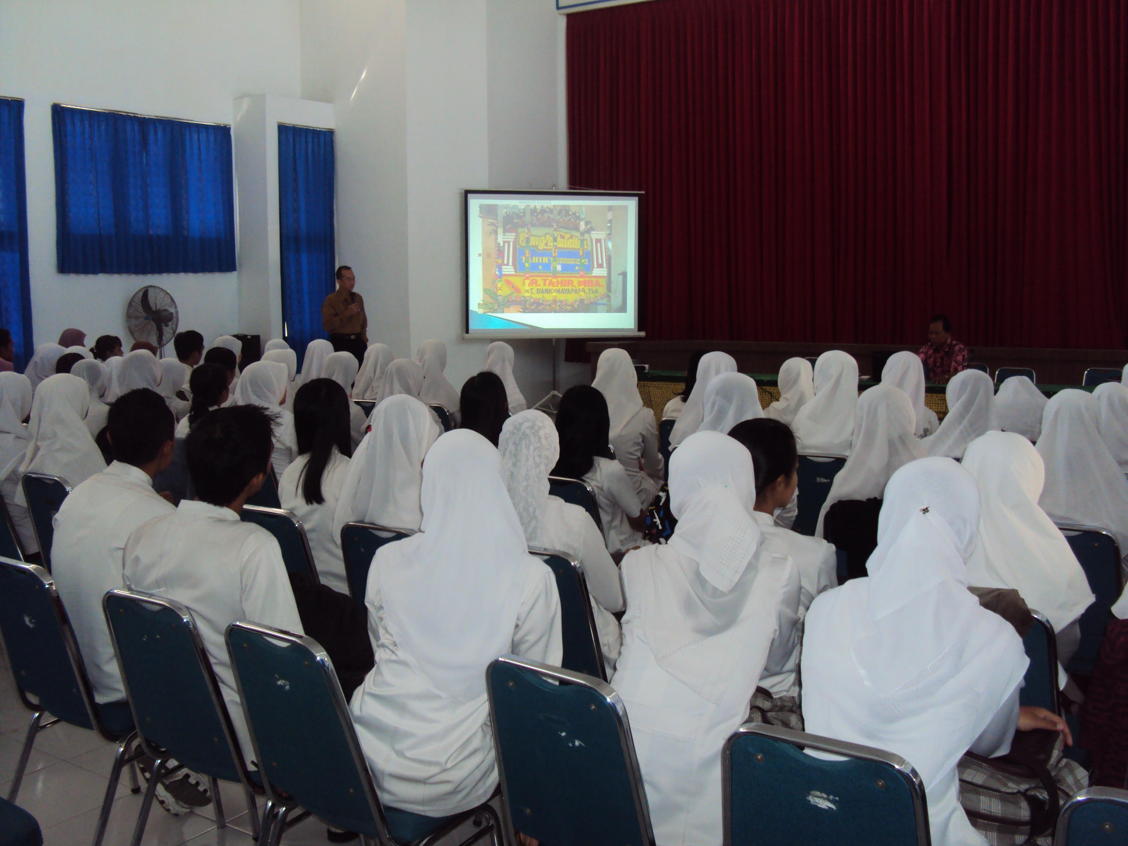 Loker Pt Di Bekasi 2013 Lowongan Kerja Bekasi Terbaru April 2013 Para Peserta Tampak Sedang Menyimak Presentasi Tentang Mayapada