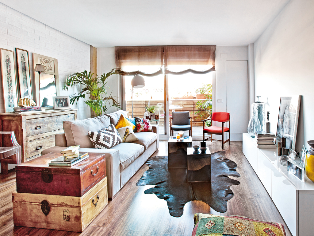 Casas Con Muebles Reciclados Decordemon Α Mix Of Styles In A Spanish Apartment