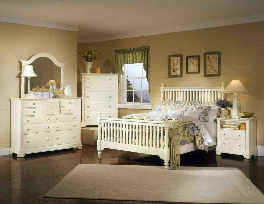 Bedroom Decor With White Furniture Distressed White Bedroom Furniture Decor Ideasdecor Ideas