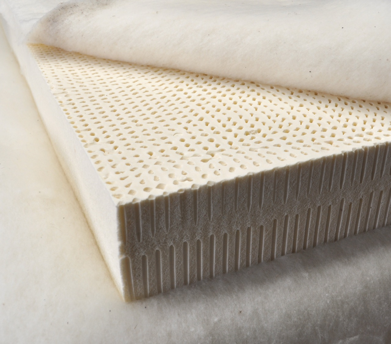 Rubber Mattress Advantages Of Sleeping On Latex Mattress Decor