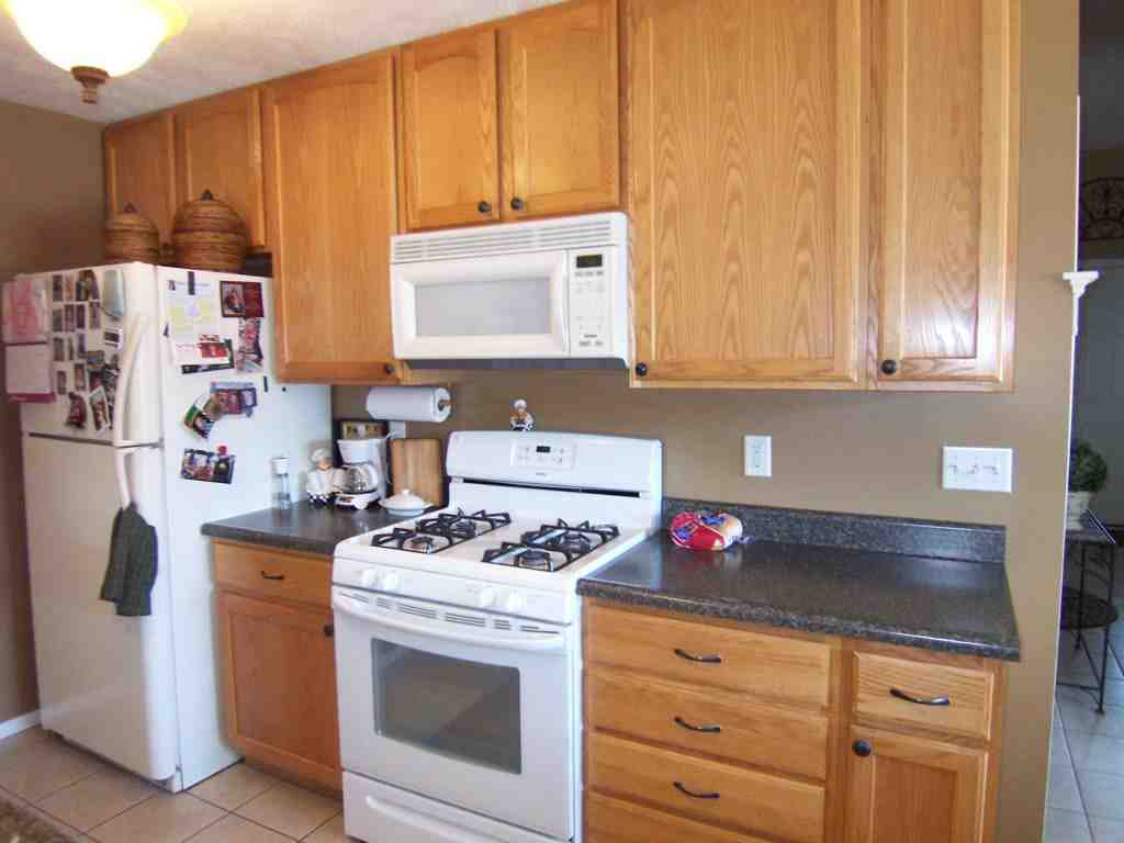 Oak Cabinets Kitchen Design Kitchen Colors With Oak Cabinets And Black Countertops