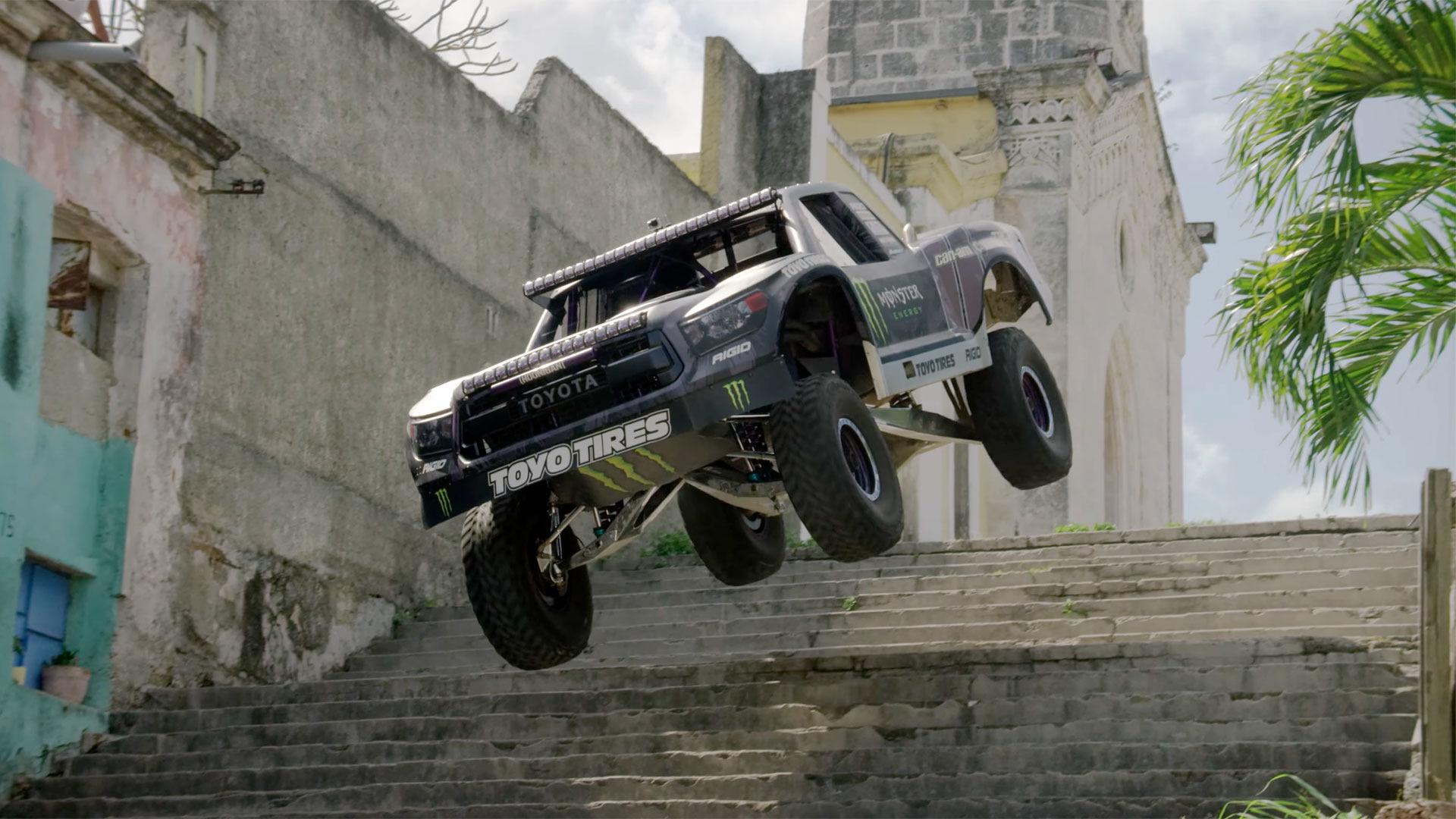 Forza 7 Car Wallpaper Watch Bj Baldwin S Trophy Truck Storm Through Havana
