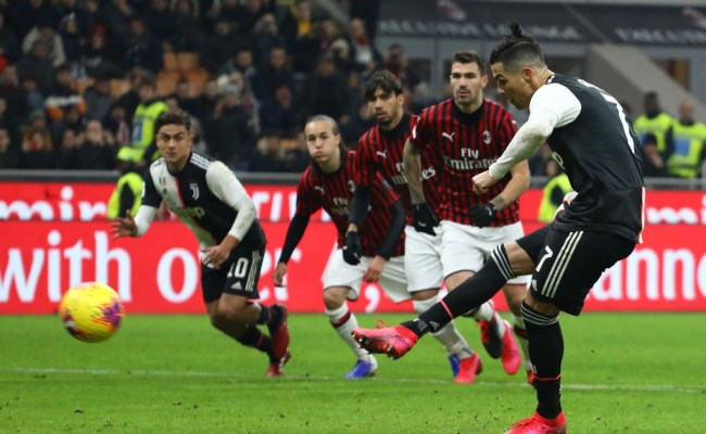 Ac Milan 1 1 Juventus Referee At The Centre Of