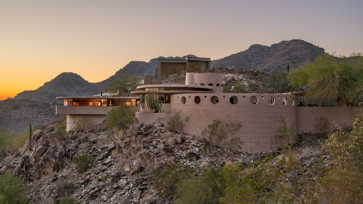 Frank Lloyd Wright Frank Lloyd Wright S Final Home Just Hit The Market The Manual