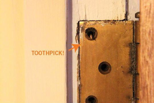How To Fix A Hard-To-Close Door Using Toothpicks | Digital Trends