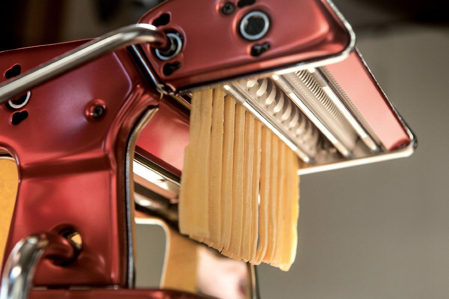 Cucina A Gas Vintage The Best Pasta Makers For Homemade Pasta Digital Trends