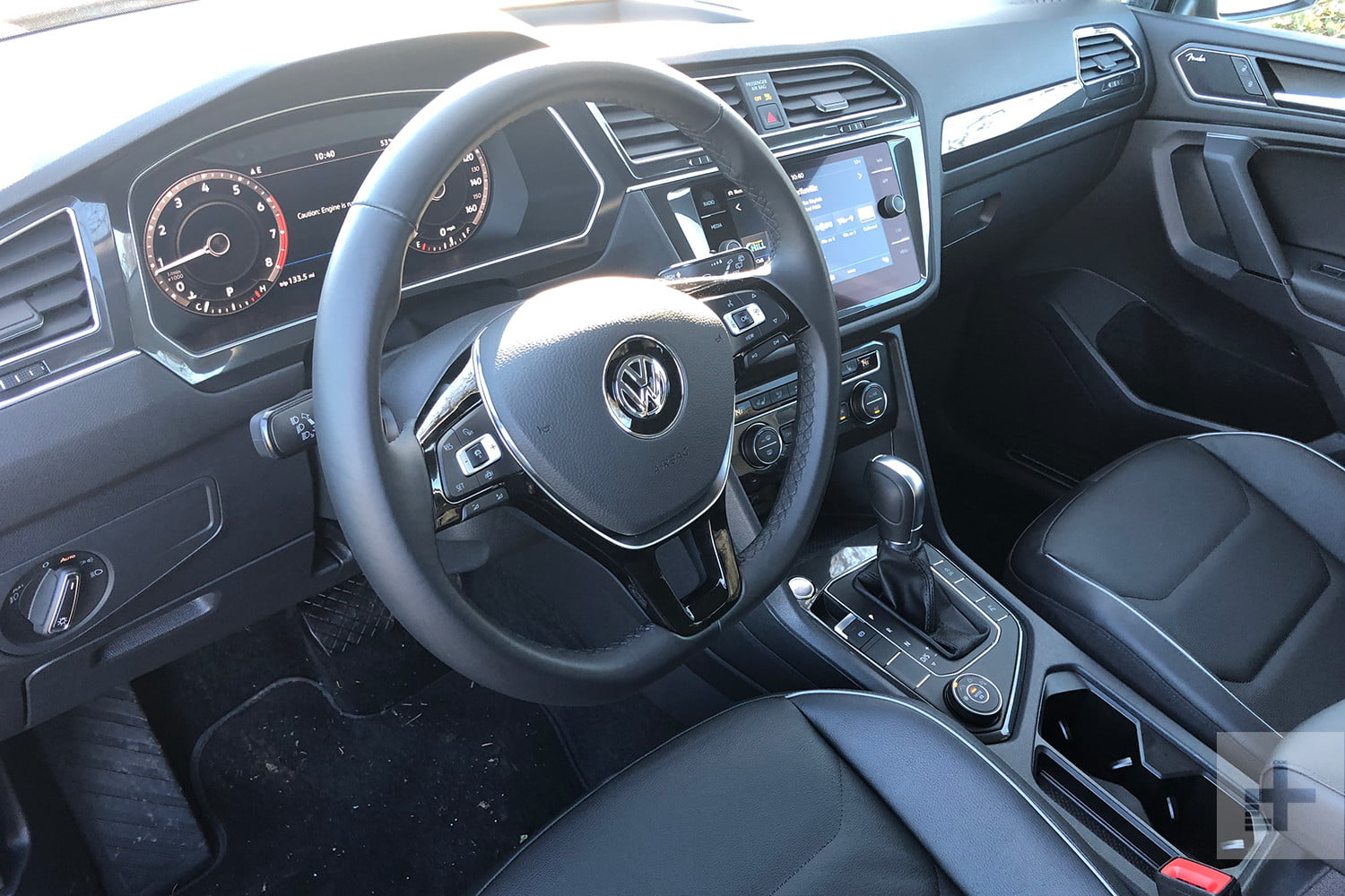 Interieur Vw Up 2019 Volkswagen Tiguan Review Bigger Than It Looks Digital Trends