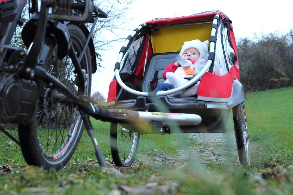 Infant Carrier Behind Bike Why A Baby Bike Trailer Might Not Be The Best Choice