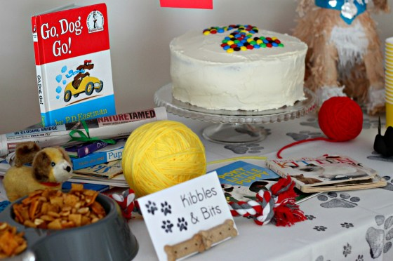 puppy-and-kitten-party-dessert-table