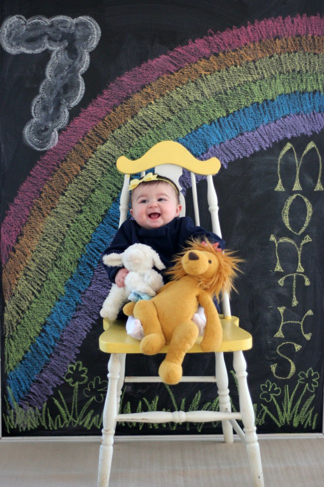 carmendy-7-months-photo-progression-march-chalkboard