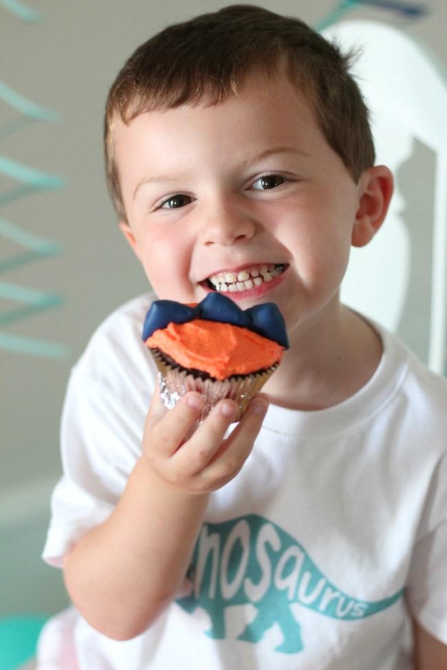 owen and dino cupcake