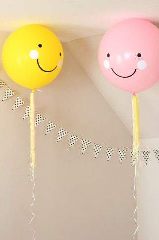 smiley face party balloons