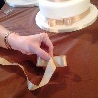 Tutorial ~ How to Make the Perfect Wedding Cake Bow in 6 Easy Steps