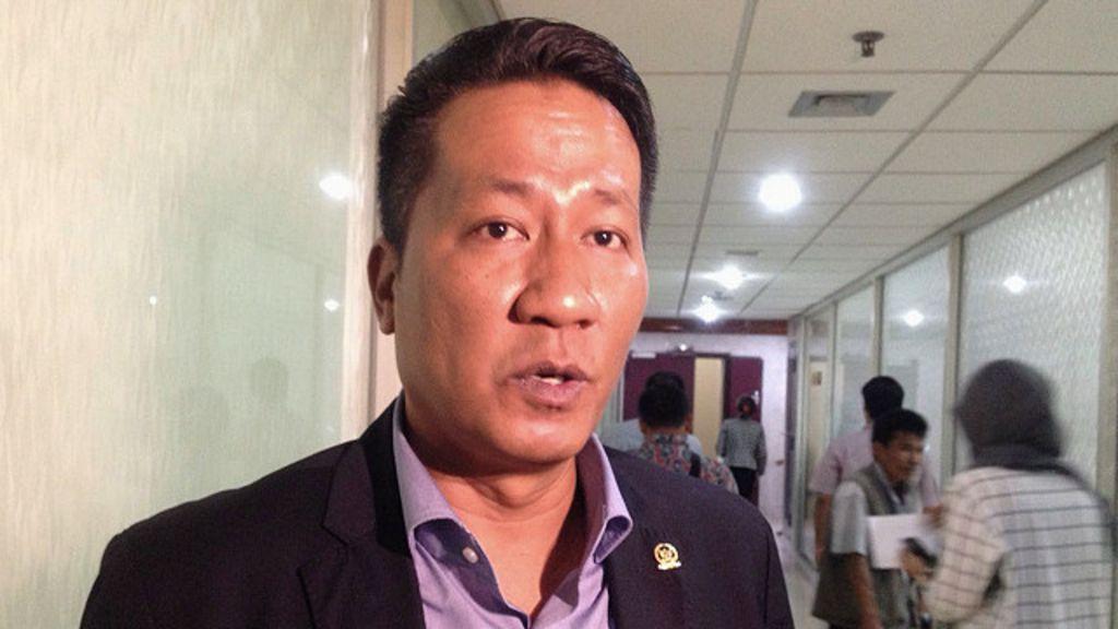 Karangan Pemberantasan Korupsi Di Indonesia Mendebat Dugaan Dana Reklamasi Rp30 Milyar Tempo Dan Kontroversi Dpr Tunda Pembentukan Panja Revisi Uu Kpk Bbc Indonesia