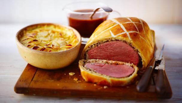 Paleo Mini Beef Wellingtons with Red Wine Sauce