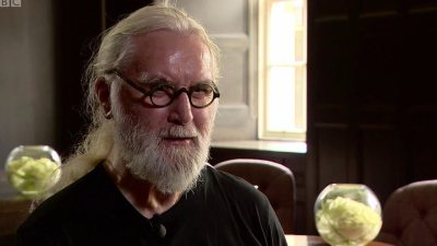 'Hairy rebel' pleased to be Sir Billy Connolly - BBC News